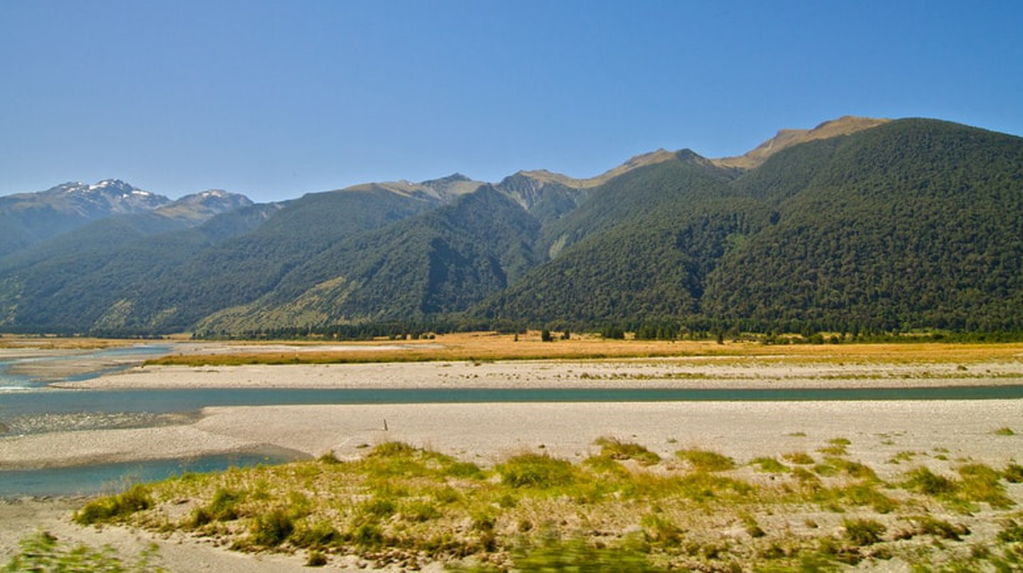 Haast Pass landscape on the West Coast side | © macronix/Flickr