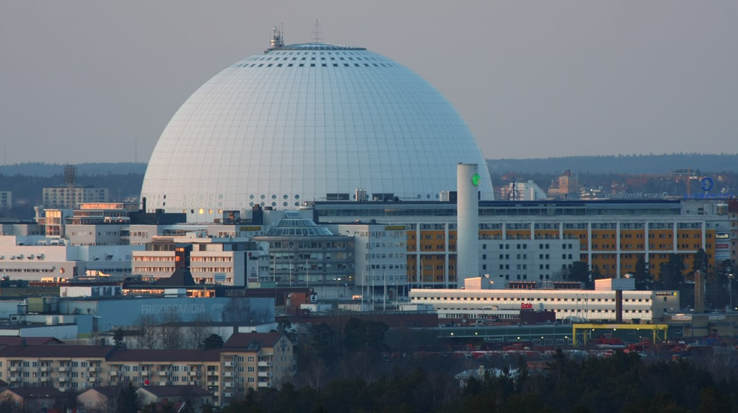 The stunning Globen serves as the sun in the model | © bengt-re / Flickr