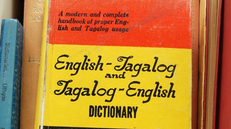 English-Tagalog Dictionary | © Romana Klee/Flickr