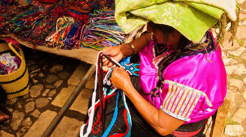 Regional textiles│© Graeme Churchard/Flickr
