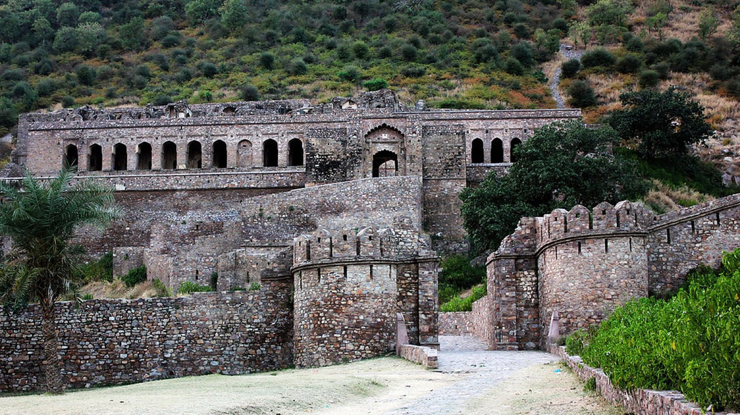 Bhangarh Fort in Rajasthan | ©A Frequent Traveller / Flickr