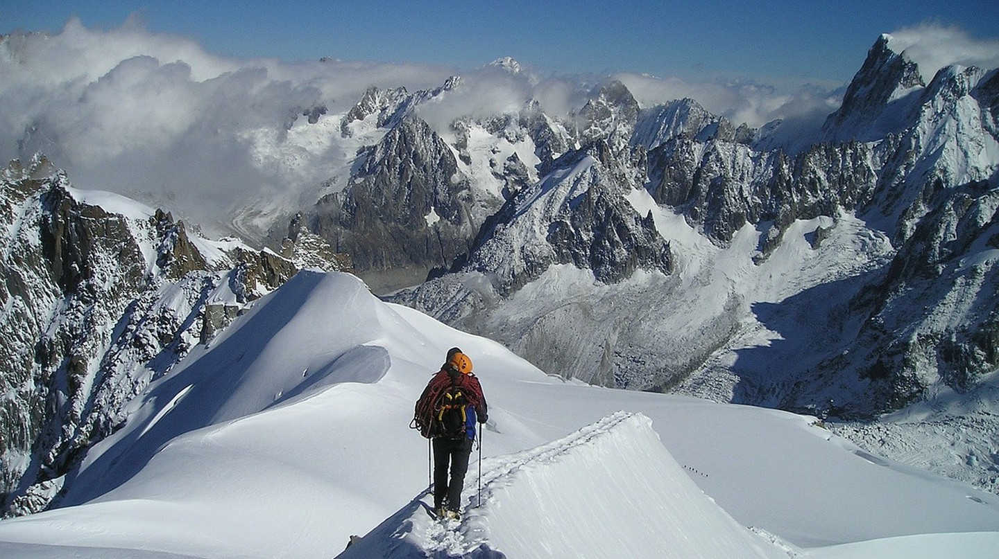 Stand on top of the Alps at Chamonix, a short trip from Geneva | © Simon/ Pixabay