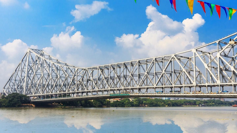 Howrah Bridge, Kolkata | © SwadhinManov / Pixabay