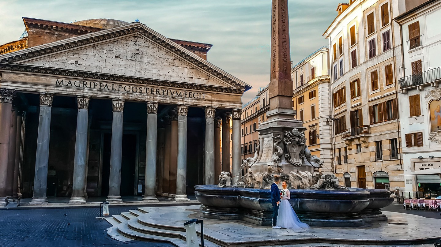It's easier to opt for a photoshoot outside the Pantheon than to try and book it as a venue | © kirkandmimi/Pixabay