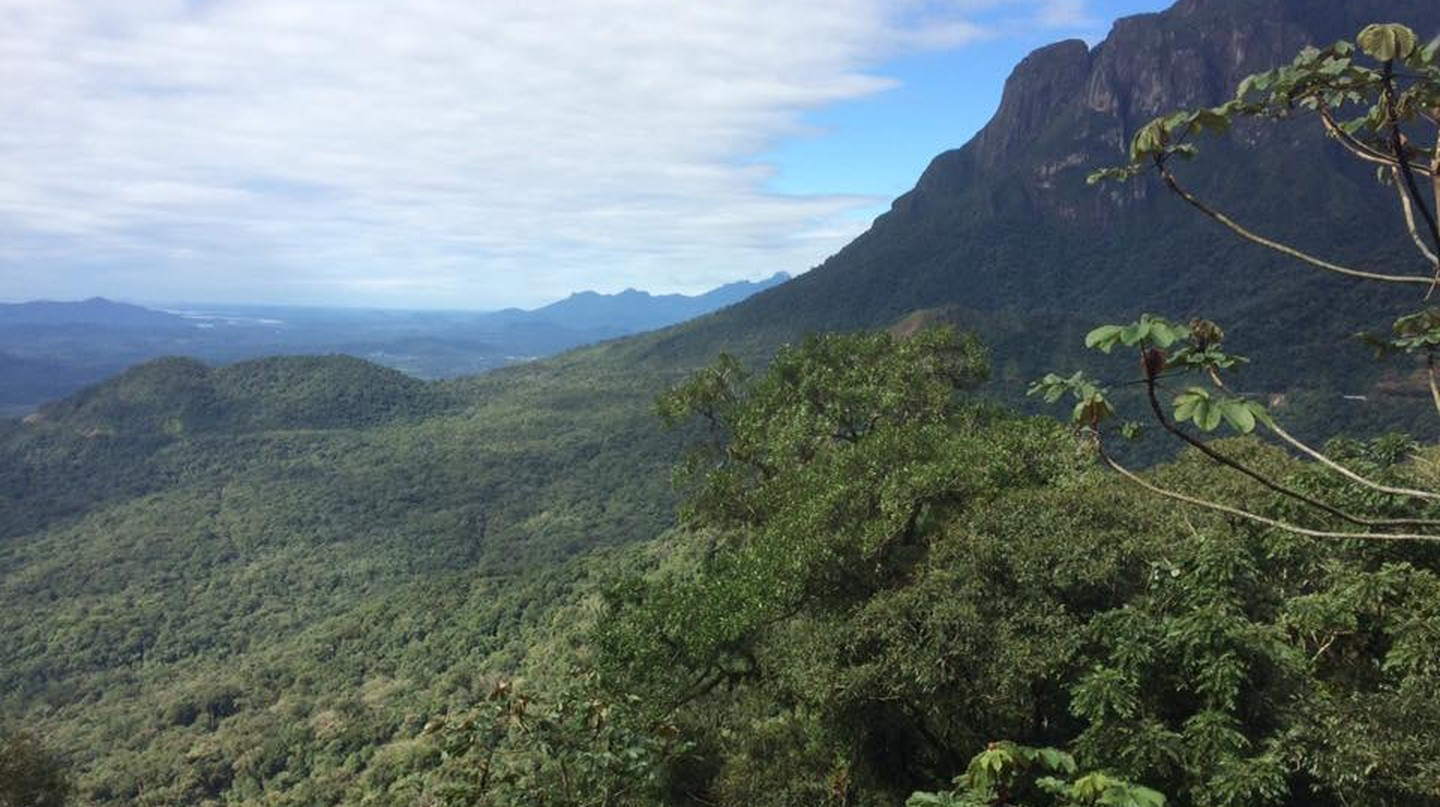 Mountain canyon views from the Serra Verde Express | © Gina Agnew