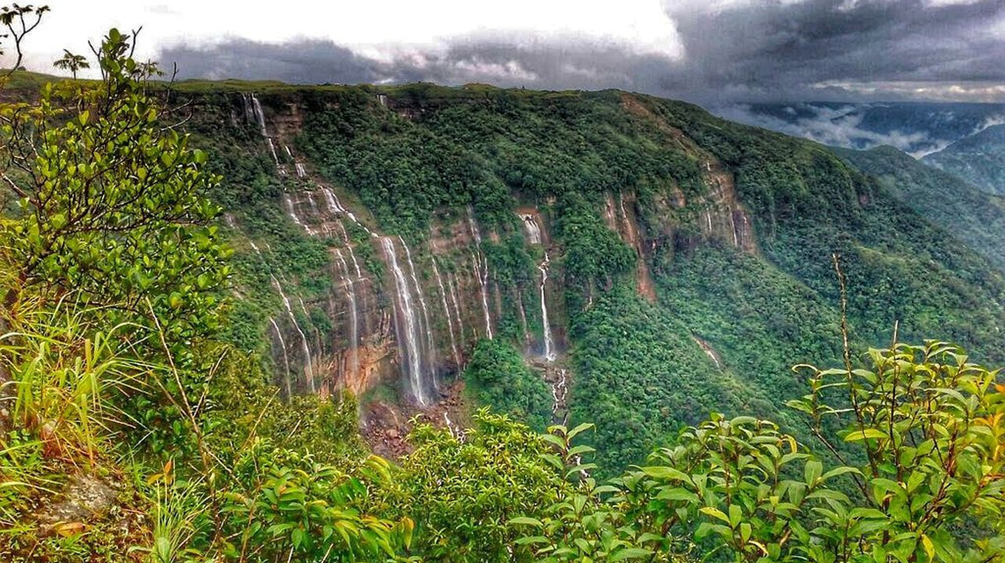 Seven Sister Waterfalls in Cherrapunji | © Wittystef / Wikimedia Commons