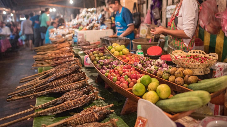 Street Food | © filmlandscape/Shutterstock