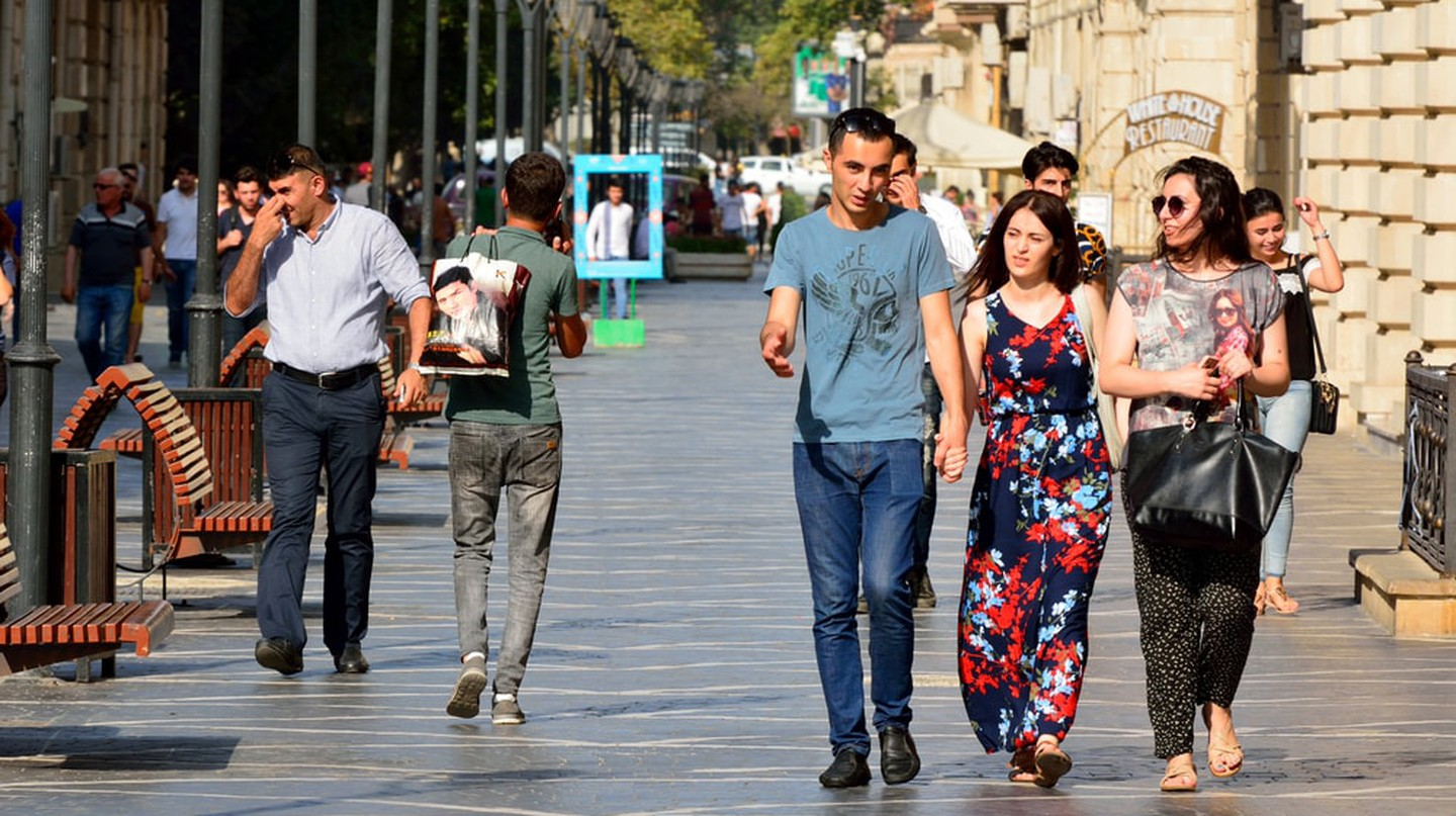 Nizami Street in Baku where most locals and tourists go to | © Alizada Studios/Shutterstock