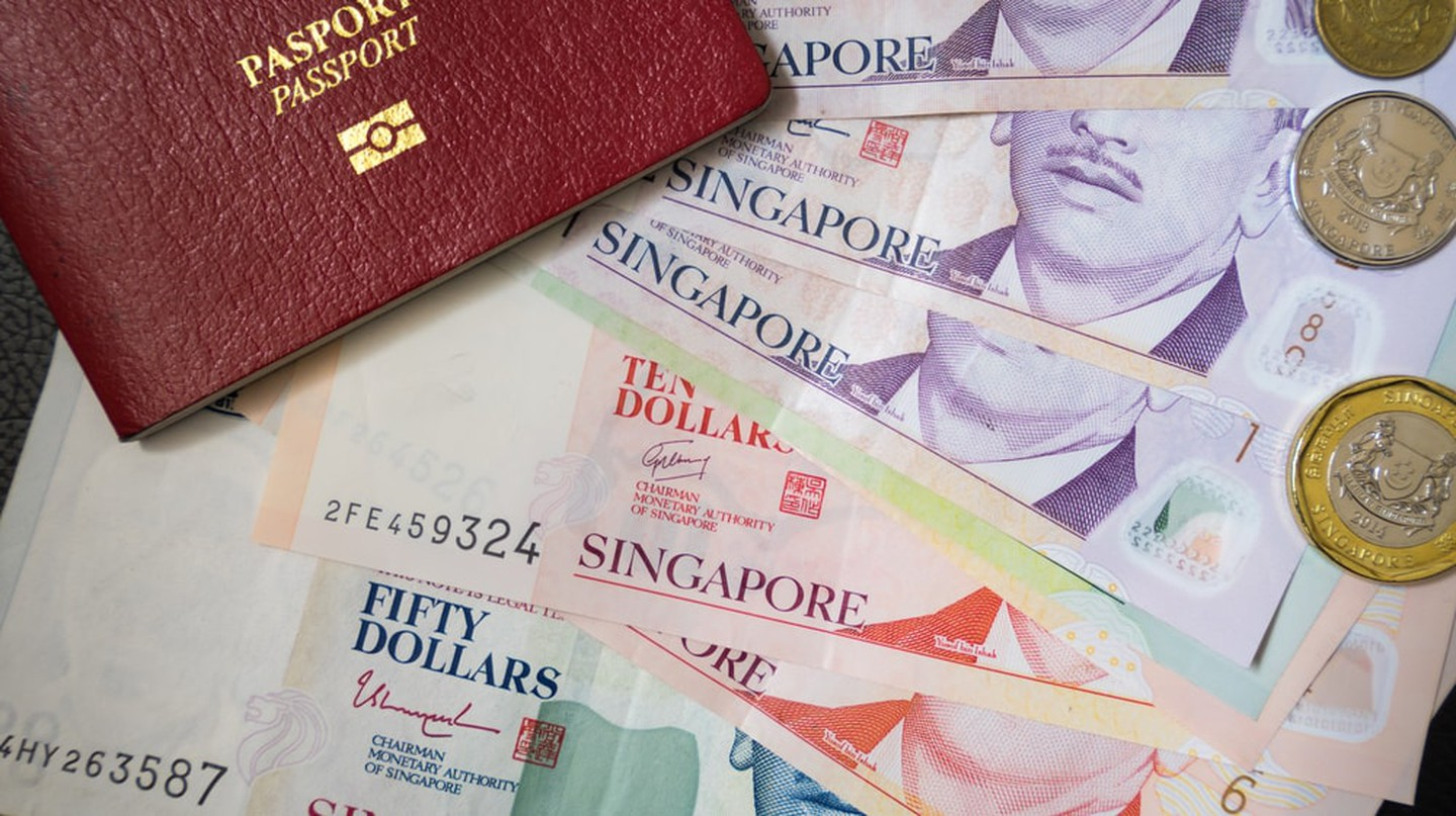 Singapore banknotes and coins currently in circulation