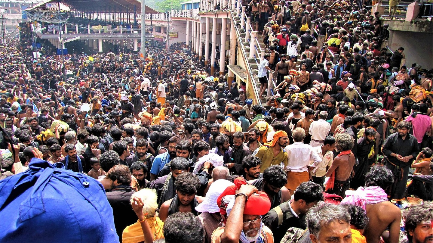 Sabarimala Temple witnesses 45-50mn devotees every year | © Avsnarayan / WikiCommons