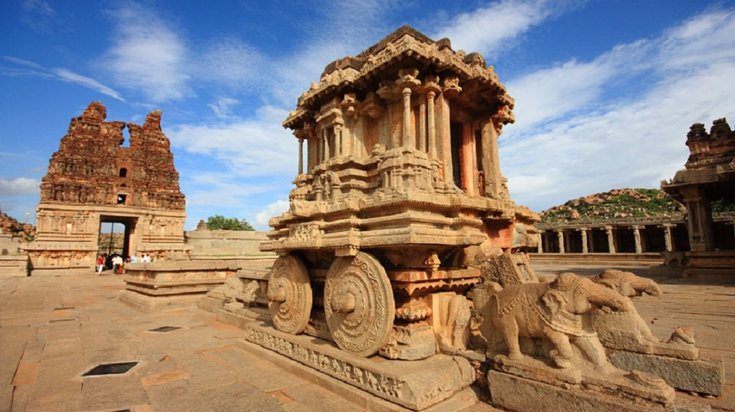 The famous chariot sculpture in Hampi | © Joel Godwin/Wikimedia Commons