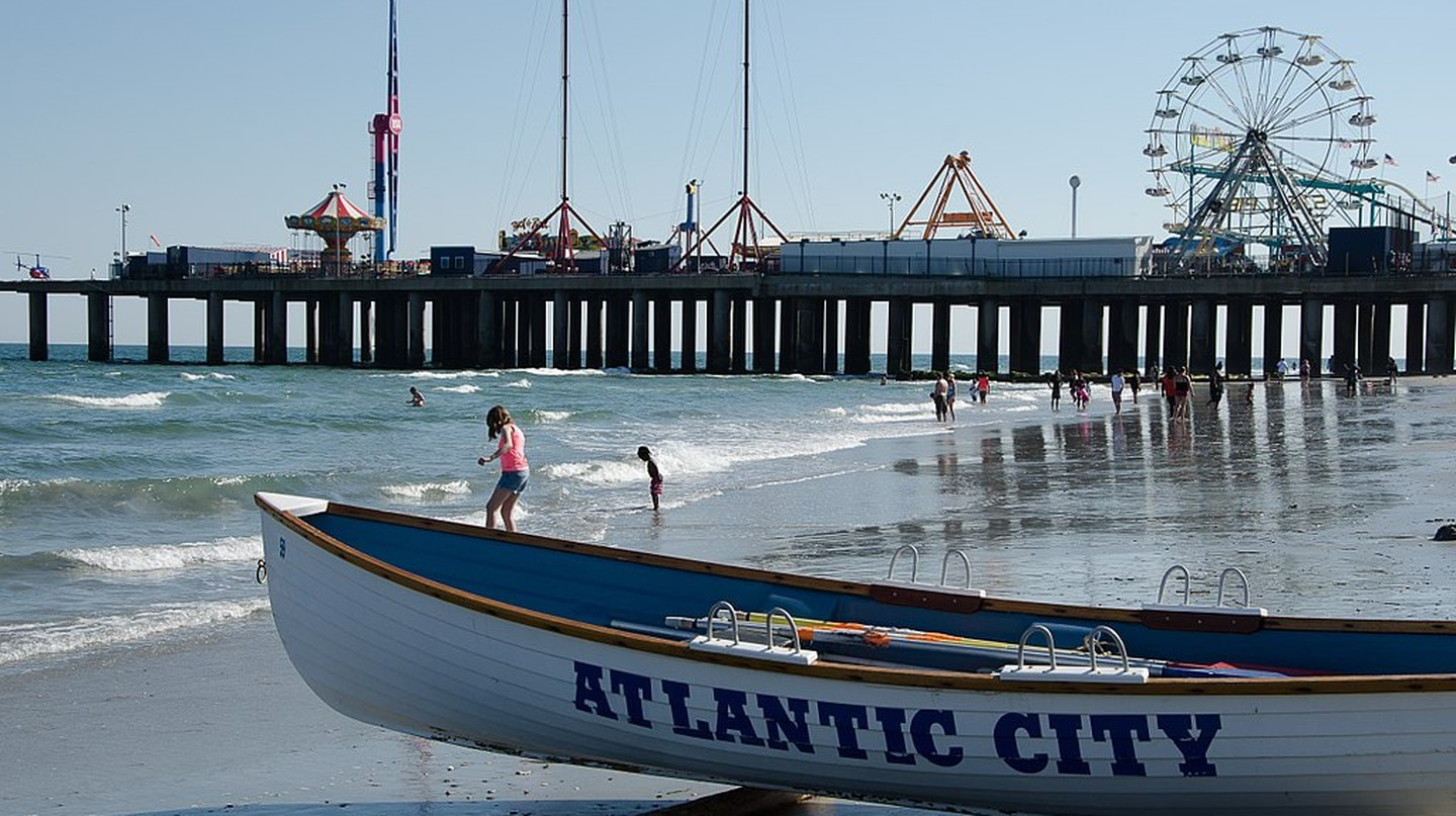 11 Free and Cheap Date Ideas to Try in Atlantic City, NJ