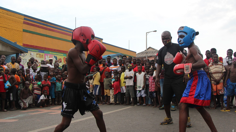 Street boxing at Chale Wote Street Arts Festival 2013 | © Kwabena Akuamoah-Boateng / Flickr