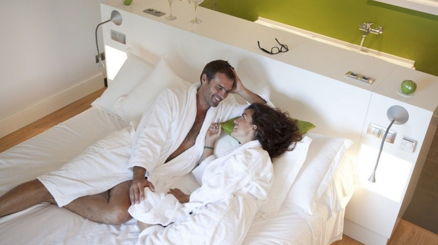 Couple in Artiem Audax | Courtesy of Artiem Hotels