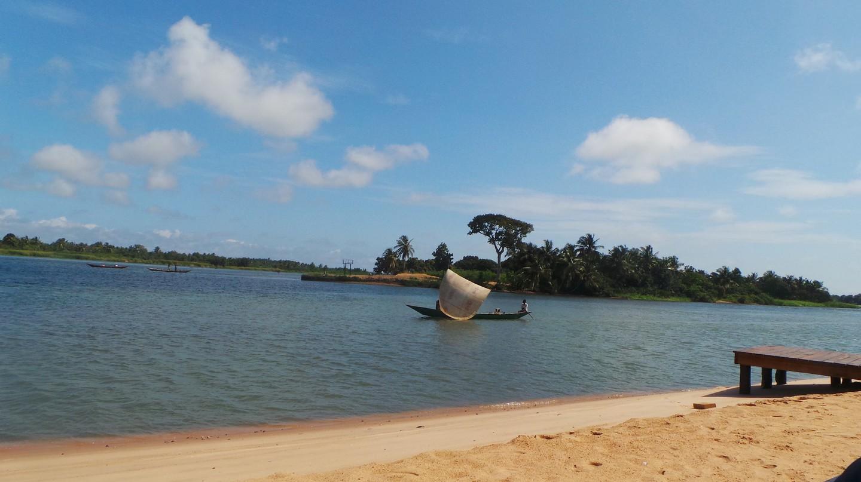 Tills Beach, Accra