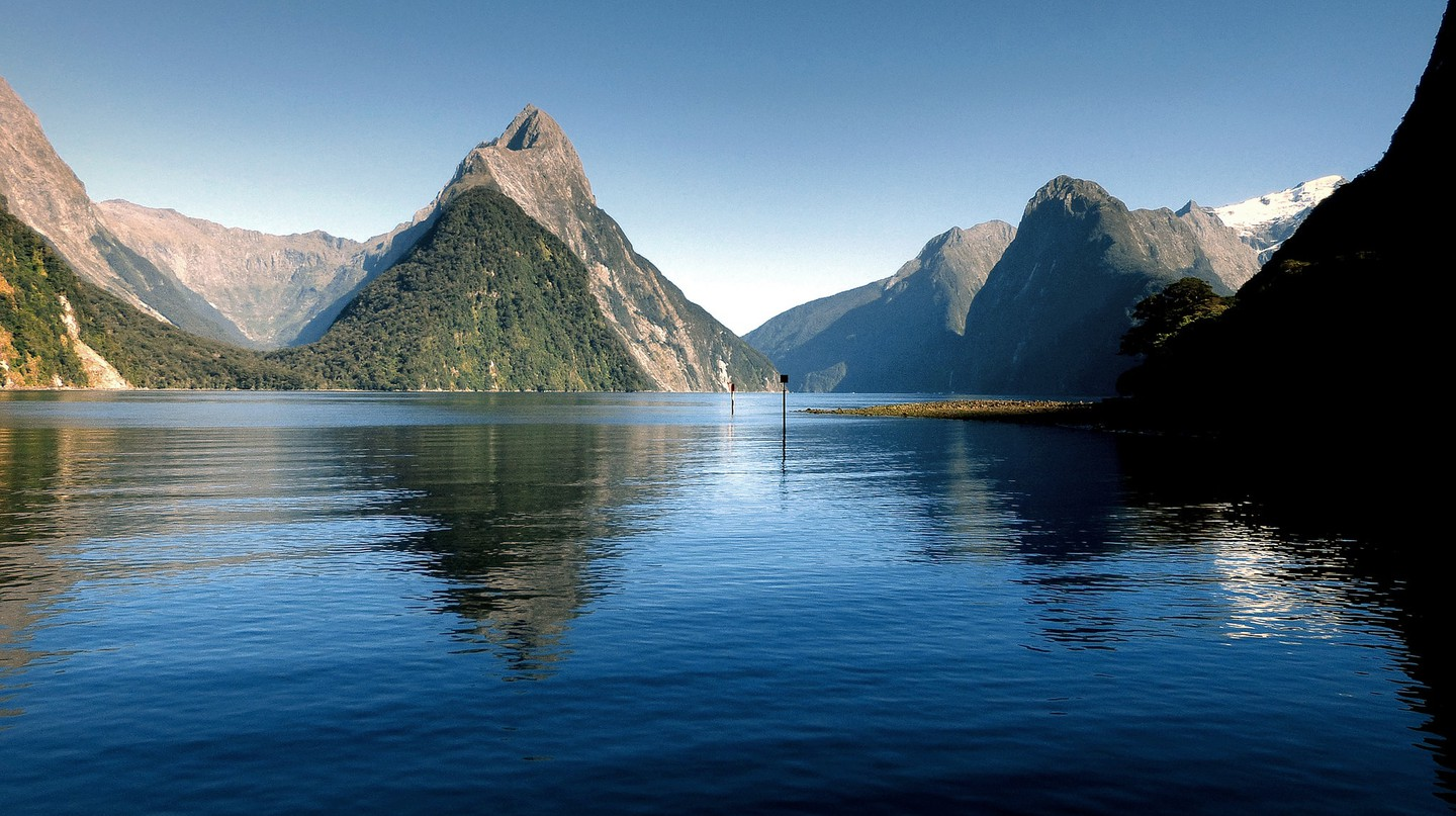Milford Sound | © Bernard Spragg. NZ / Flickr