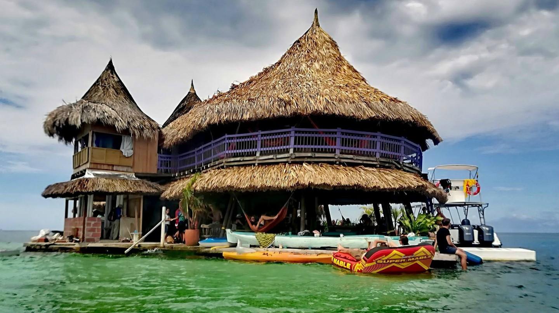 Casa en el Agua, Colombia