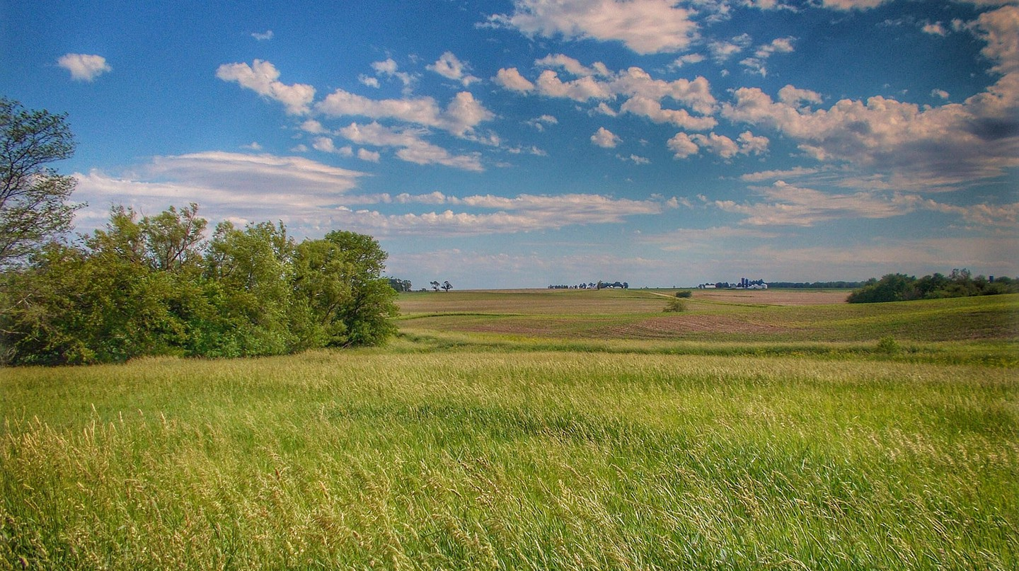 A beautiful scene of the prairie in Central Illinois | © Ron Frazier / Flickr / Derivative from original