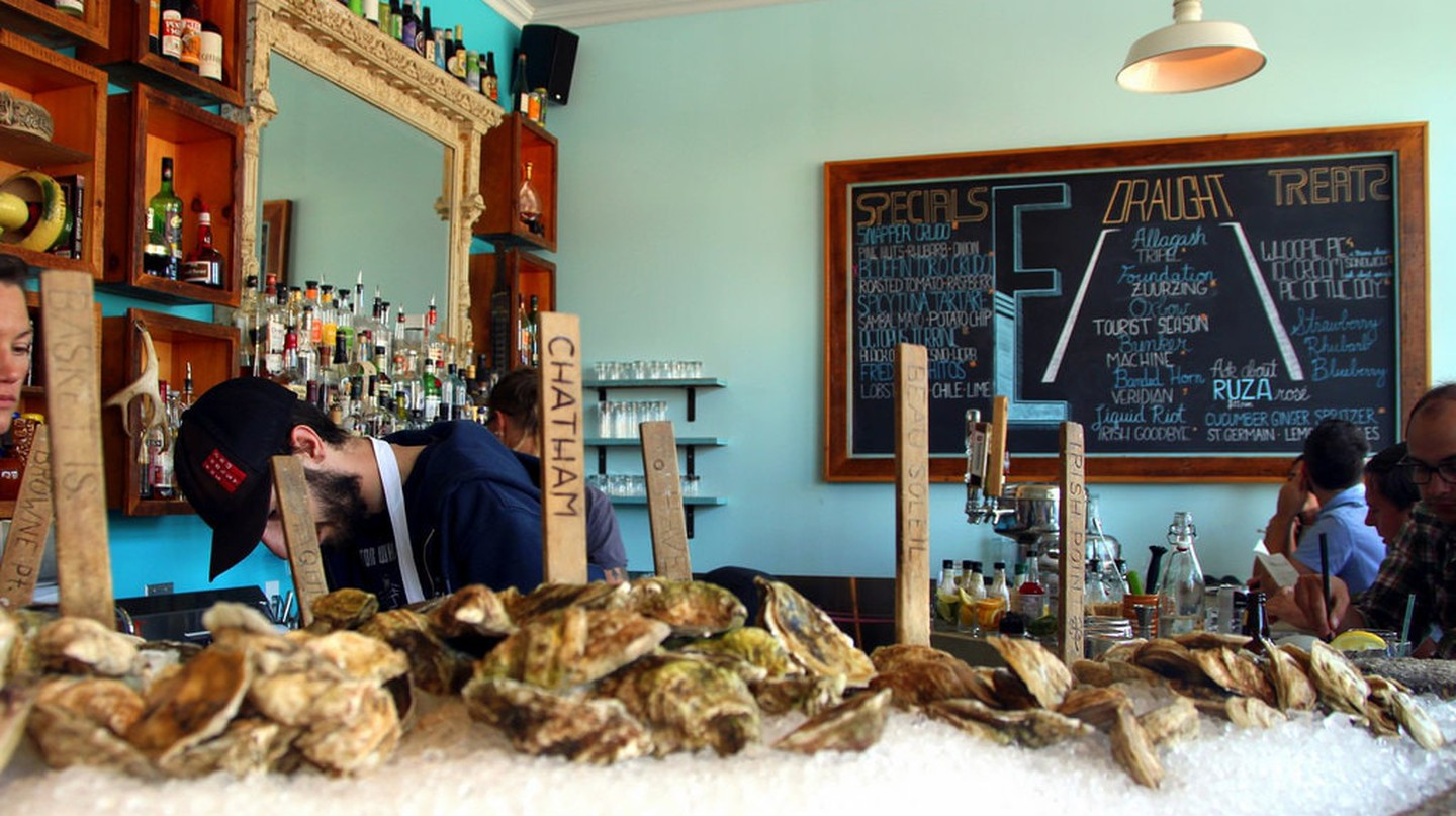 The Best Places to Eat Oysters in Maine