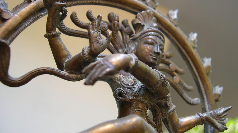 The bronze Nataraja is a popular souvenir item to take back from Chennai | © Balu Velachery/Flickr