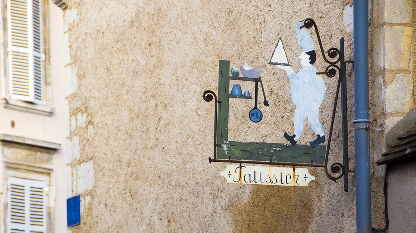 Old pâtissier sign | © Tavallai / Flickr
