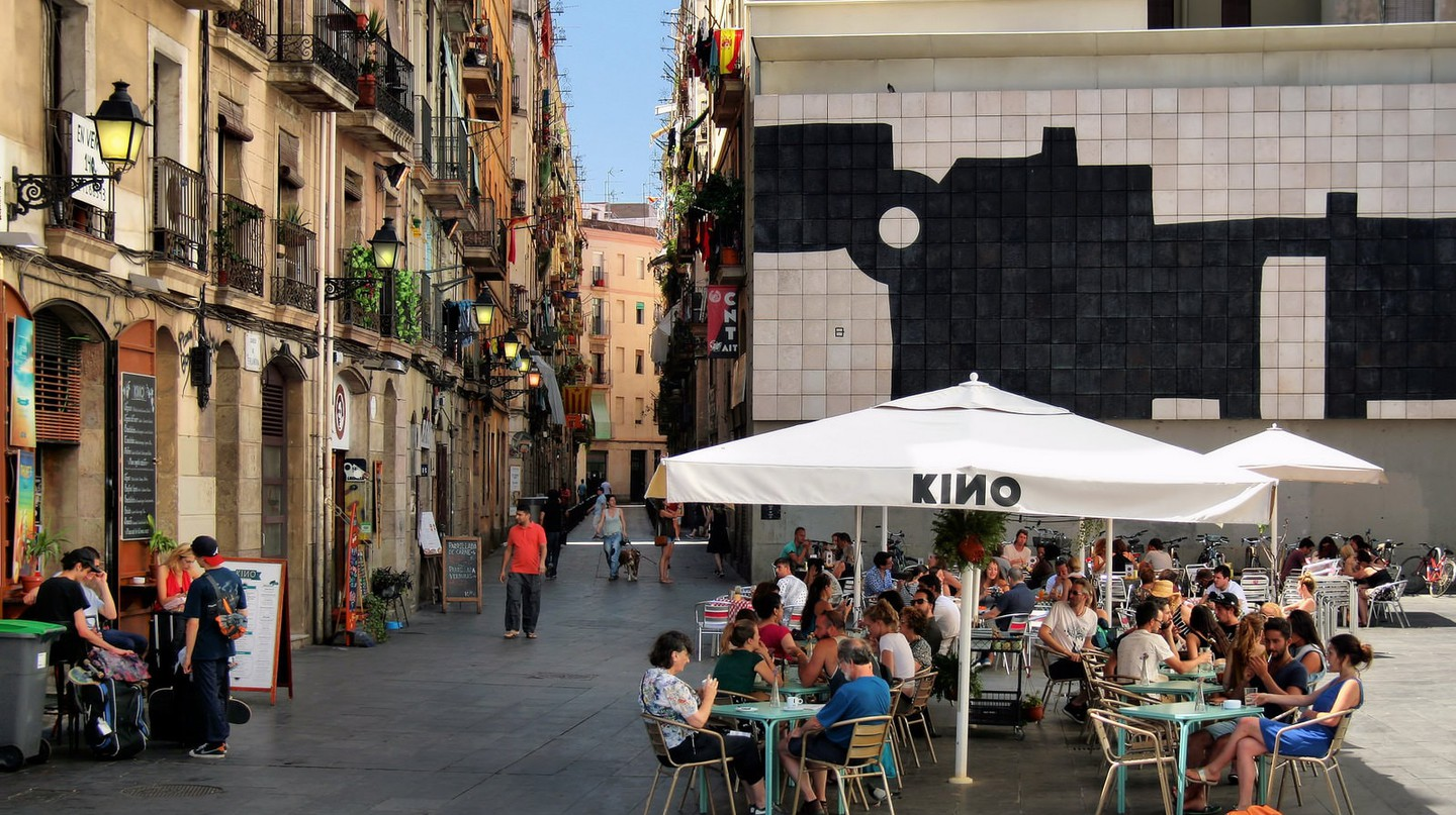 A bar opposite the MACBA in El Raval I © Jorge Franganillo / Flickr