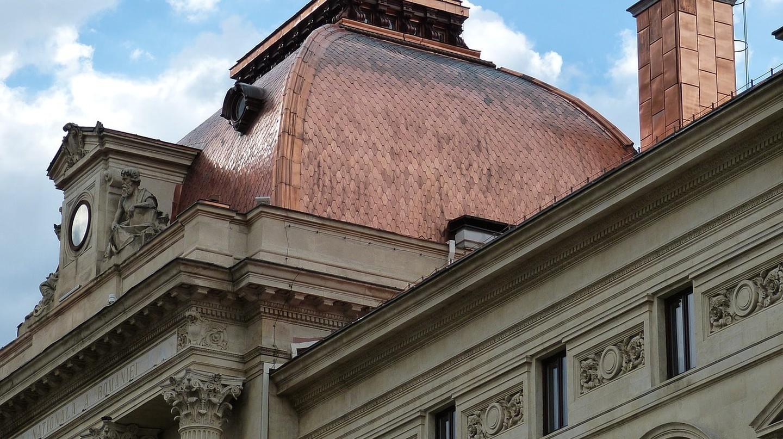 Bucharest I © Falco / Pixabay