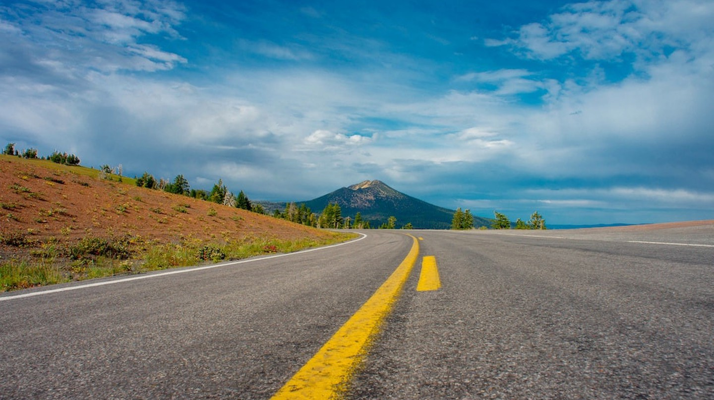 Endless possibilities on the open road | © Jeff, PJ, and Taiki/Flickr