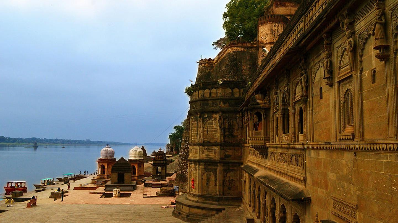 Maheshwar Fort along the bank of river Narmada in Madhya Pradesh   © Kirandeep Atwal/Wiki Commons