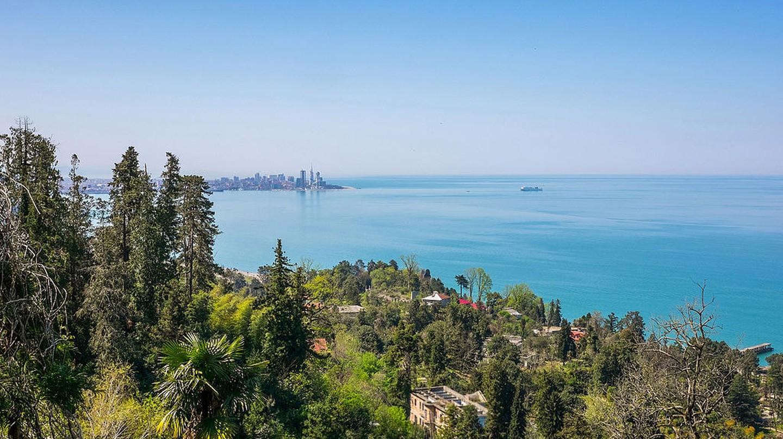 Overlooking the Batumi skyline and Mtsvane Kontskhi | © Jagermesh / WikiCommons