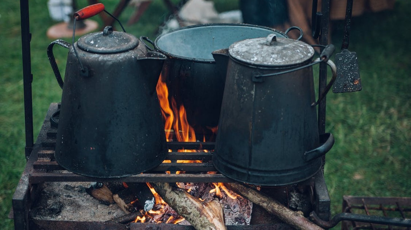 A typical camping scene | © Clem Onojeghuo/Pexels.com