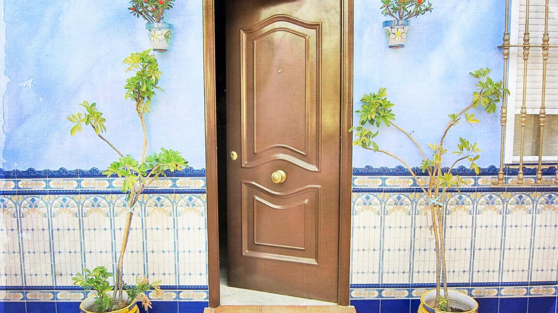 A traditional doorway in southern Spain   © Nick Kenrick/Flickr