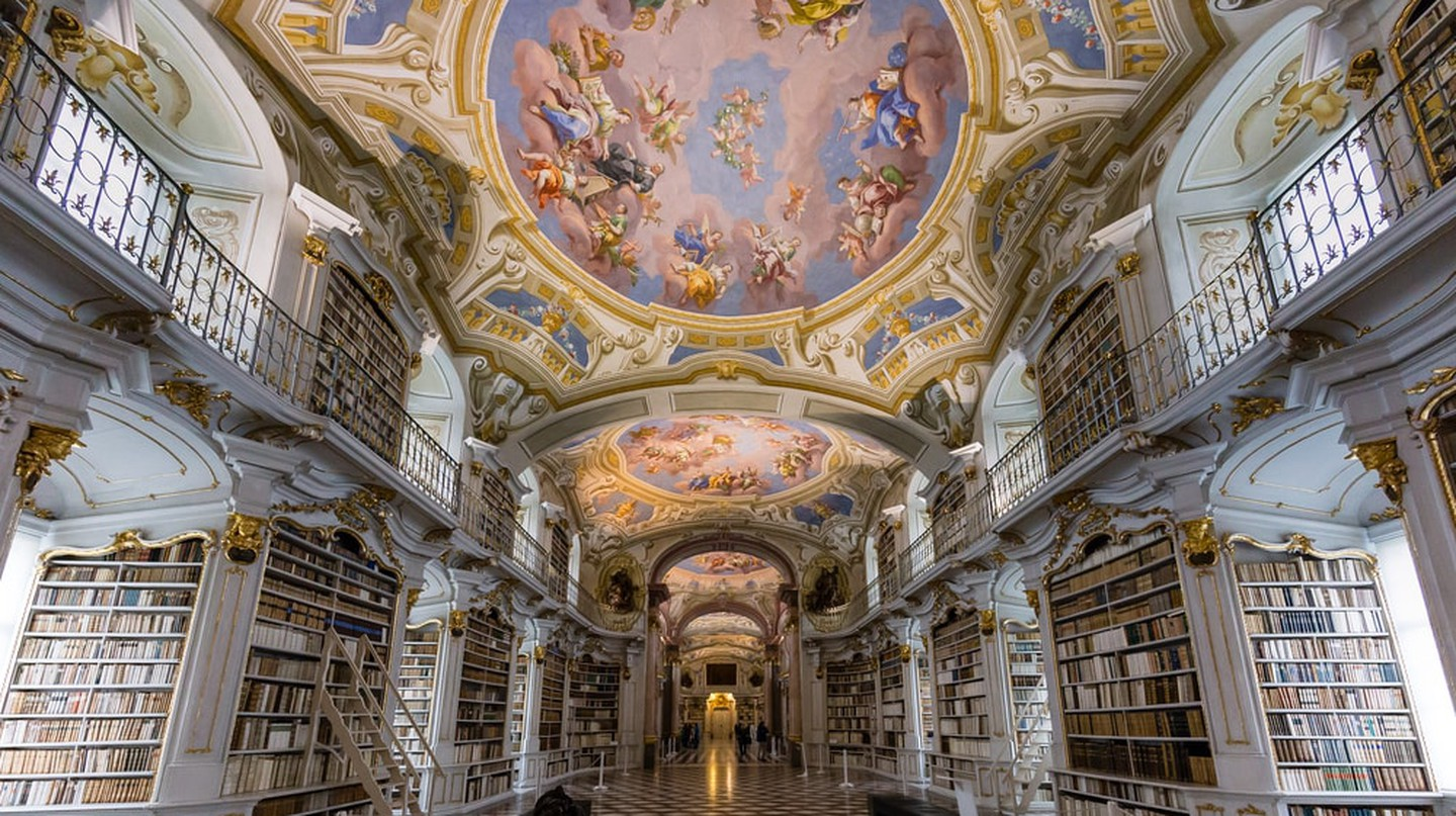 A glimpse of the gorgeous ceiling frescoes | © Shutterstock