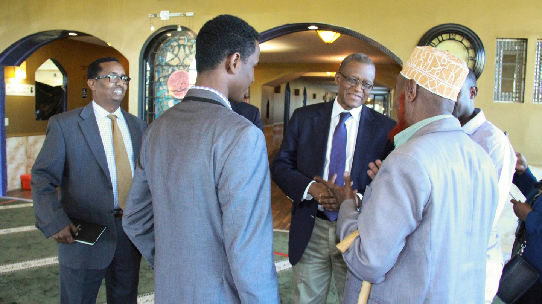 The AU Special Representative for Somalia talks with Somalis in Minnesota | © AMISOM Public Information/Flickr