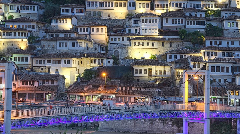Tirana in the evening | © Websi / Pixabay