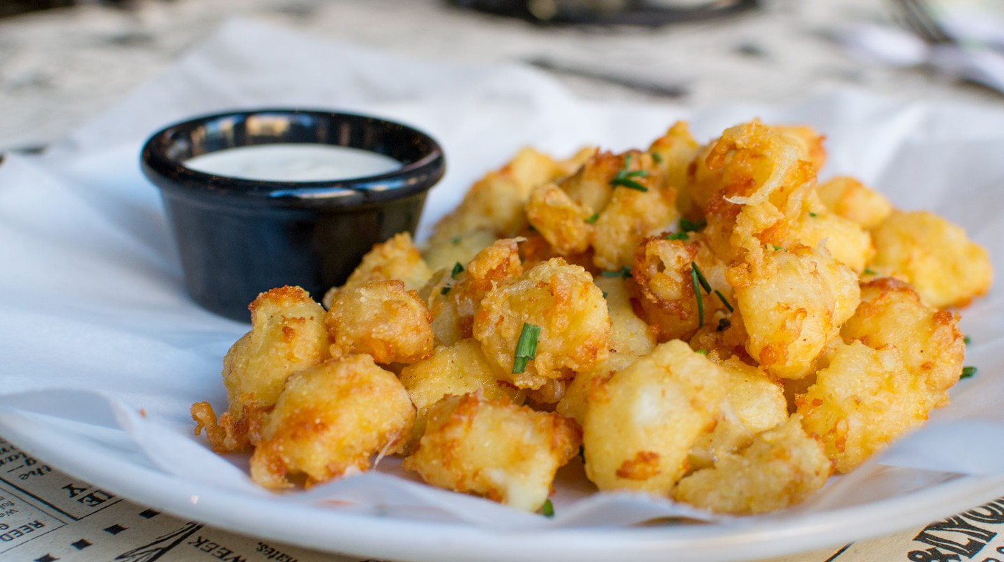 Safe House Cheese Curds | © VISIT Milwaukee