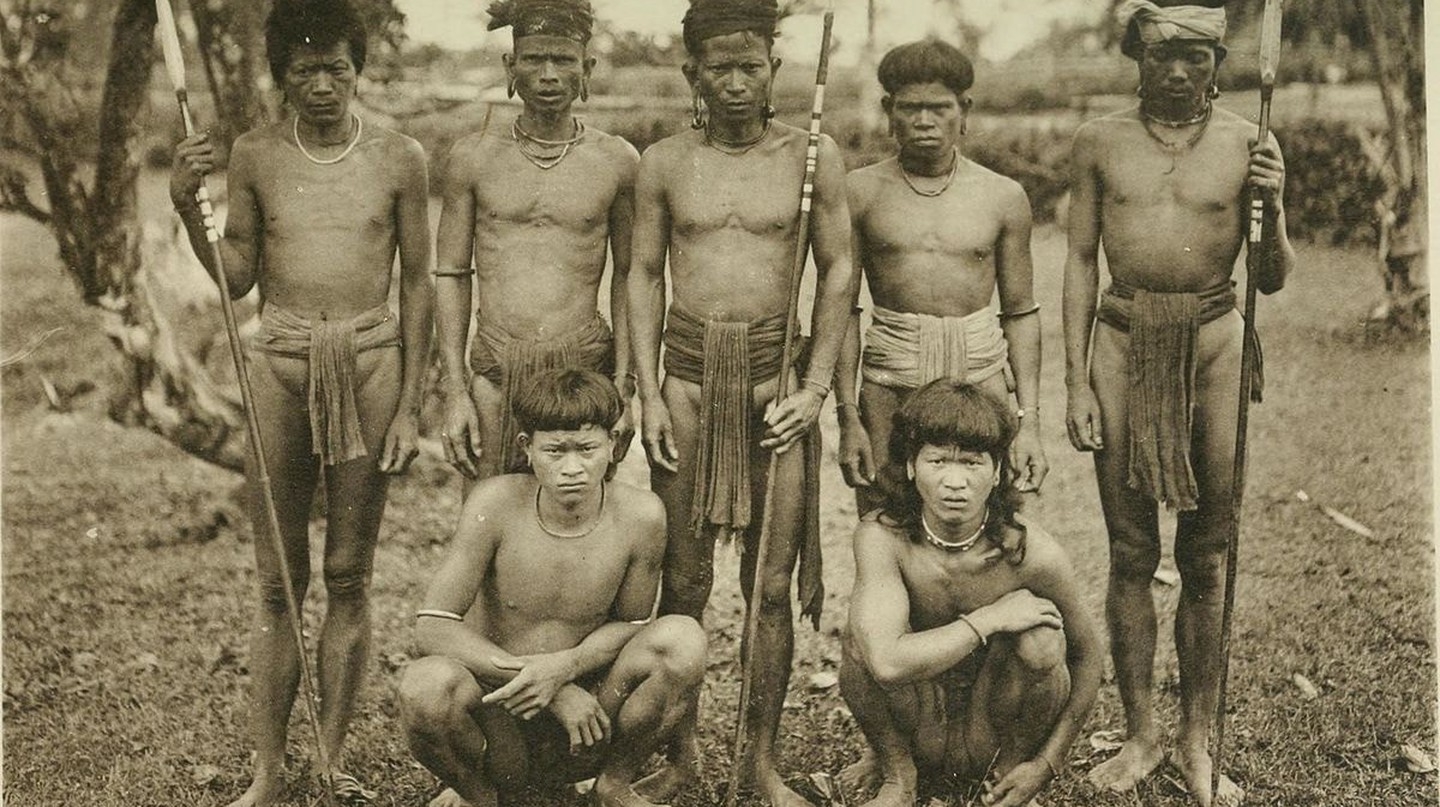 Borneo's Pagan Tribes | © Internet Archive Book / Flickr