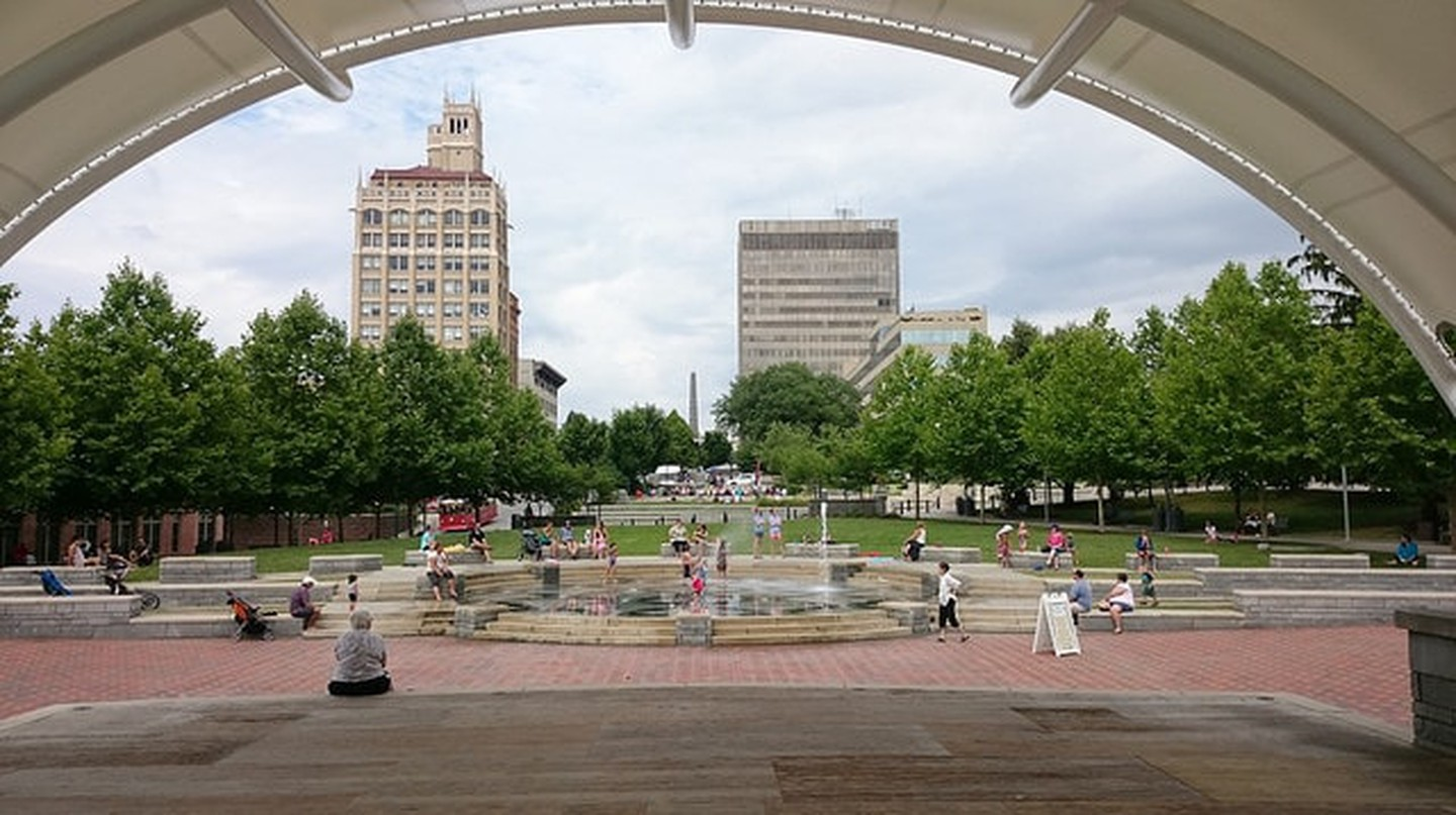 Pack Square and city hall, Asheville | © Payton Chung/Flickr