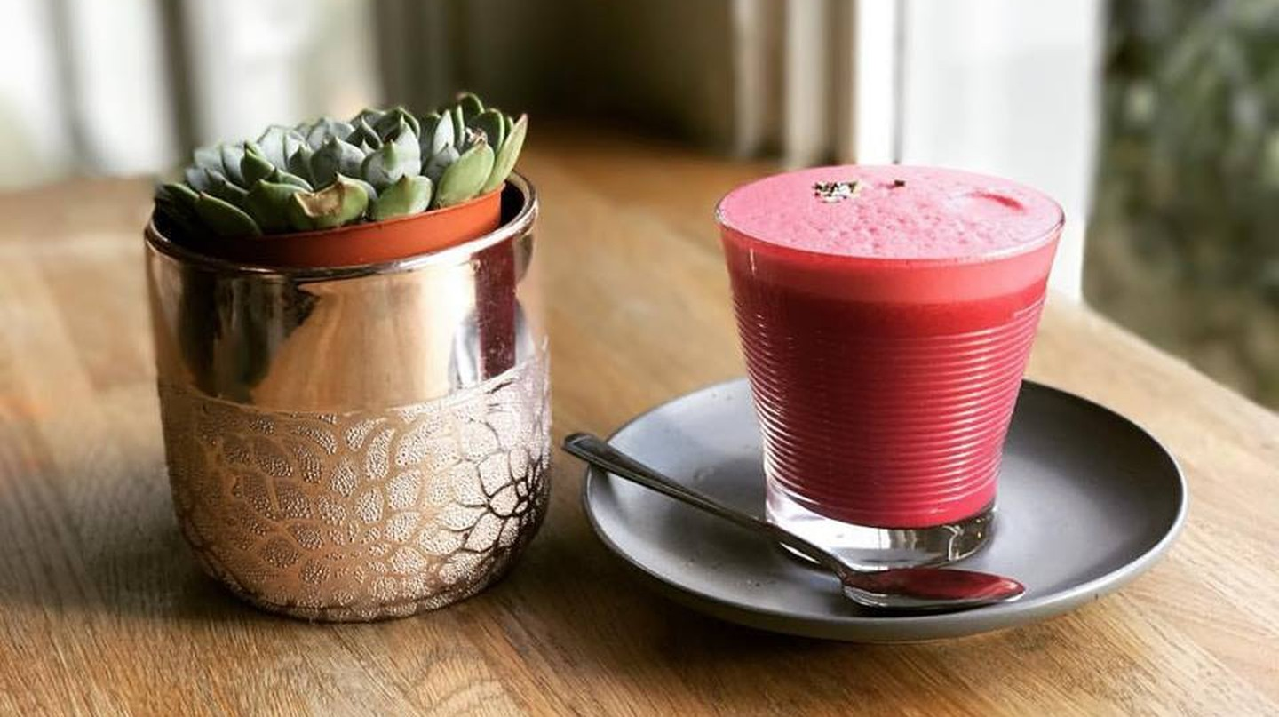Procaffeinate's delicious and healthy beetroot latte made with soy milk
