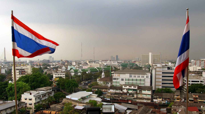 Thai flags | © Bernard Spragg. NZ / Flickr