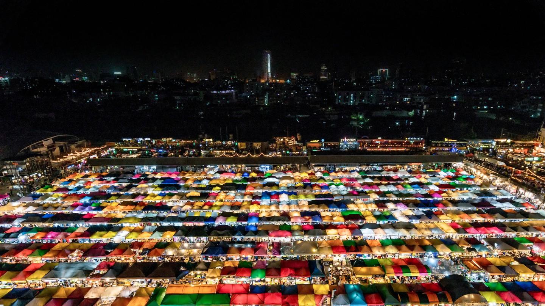 A Guide To Bangkok's Ratchada Train Market