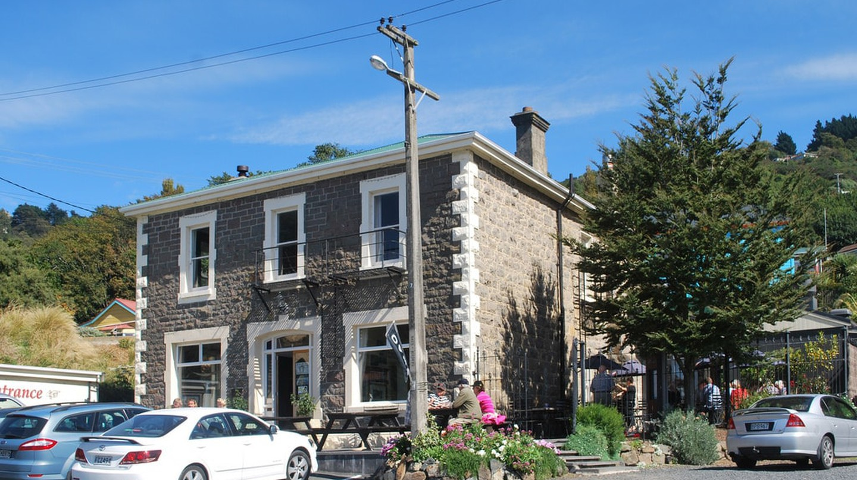 Carey's Bay Historic Hotel