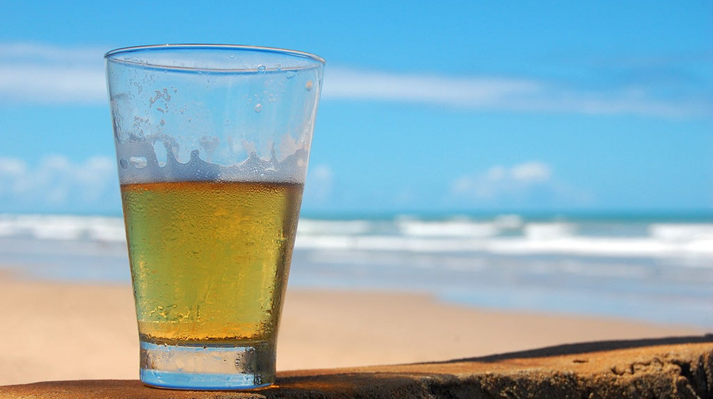 A typical Brazilian chopp (beer served in a small glass)