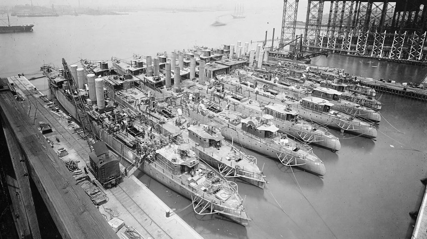 Destroyers being built in Camden in 1919