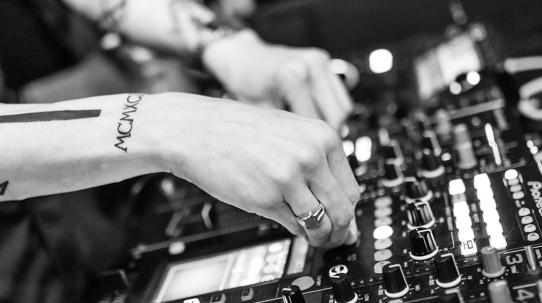 DJ. 453169 (c) | Pixabay