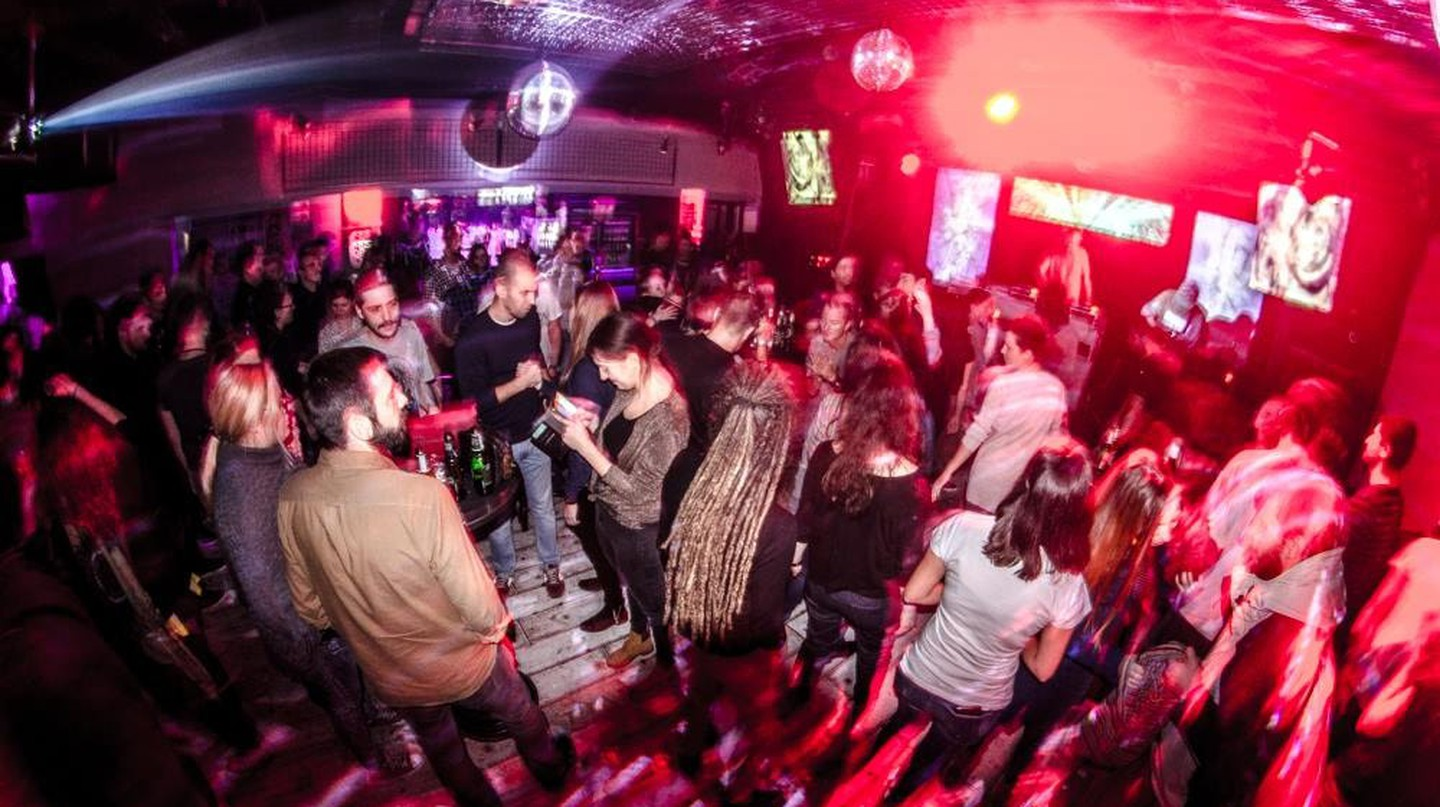 A typically energetic night at Feedback in Niš