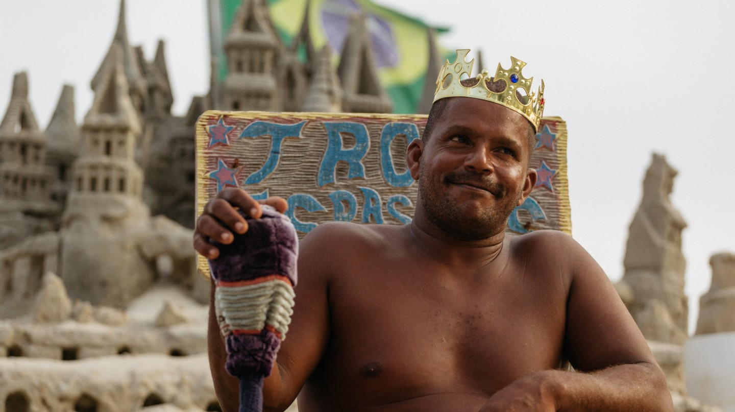 Meet Rio de Janeiro's Sandcastle King Who Has Avoided Rent for Decades