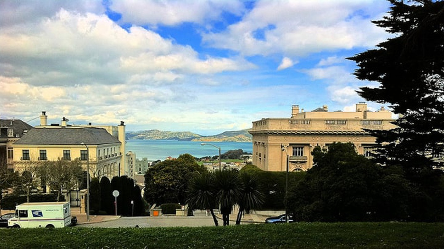A view of the San Francisco Bay from Lafayette Park
