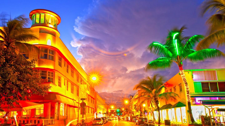 Miami Beach | © fotomak / Shutterstock