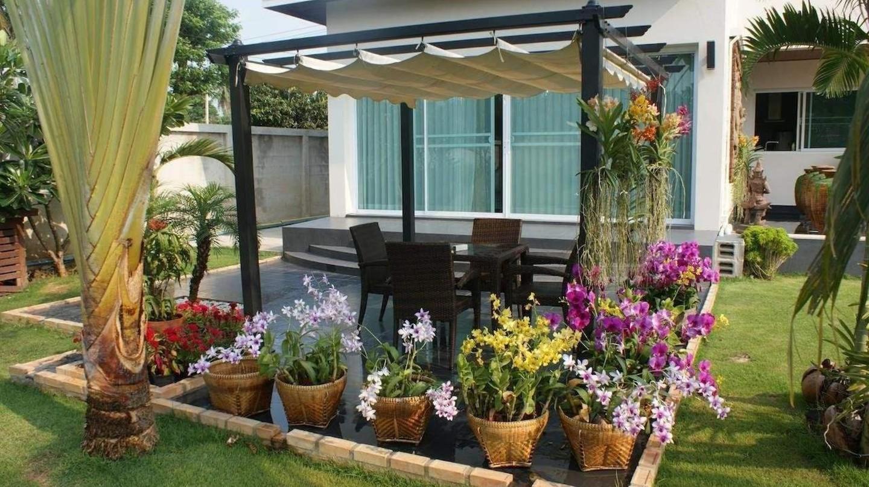 Relax and unwind at Sumali Villa in Singburi | © Sumali Villa